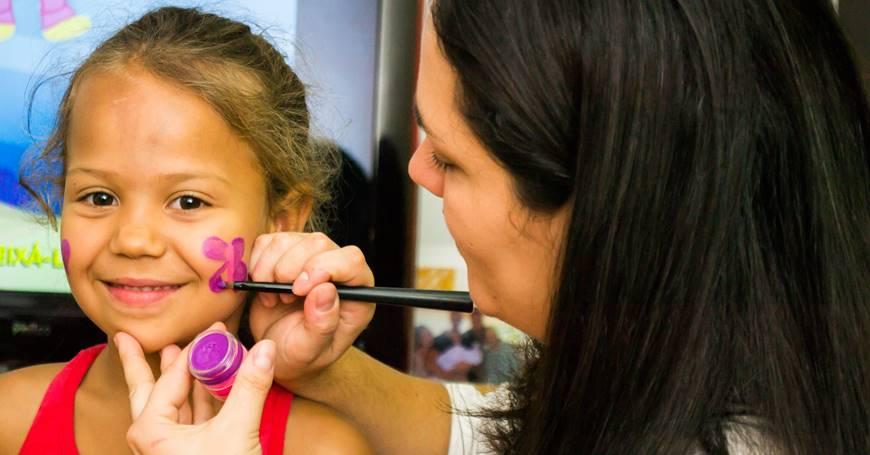 bojenje lica na rođendanu za decu