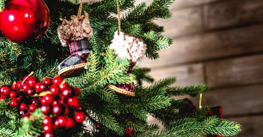 Novogodišnji ukrasi i tradicija kićenja jelke: poreklo i simbolika