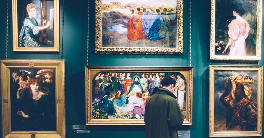 portreti u muzeju umetnosti