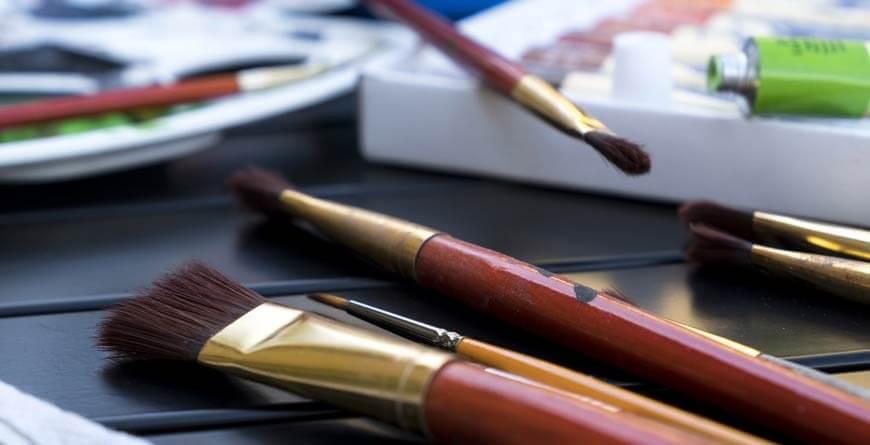 slikanje akrilnim bojama četkice