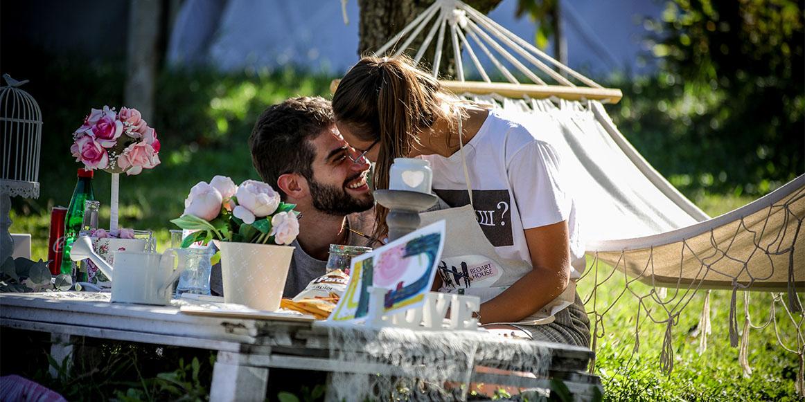 Zaljubljeni par na art turizam radionici