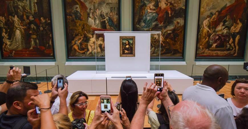 Slika Leonarda Da Vincija u muzeju u Luvru